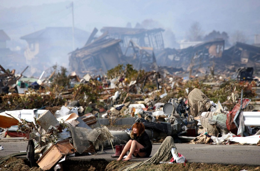 Niña llorando en Japón tras Tsunami